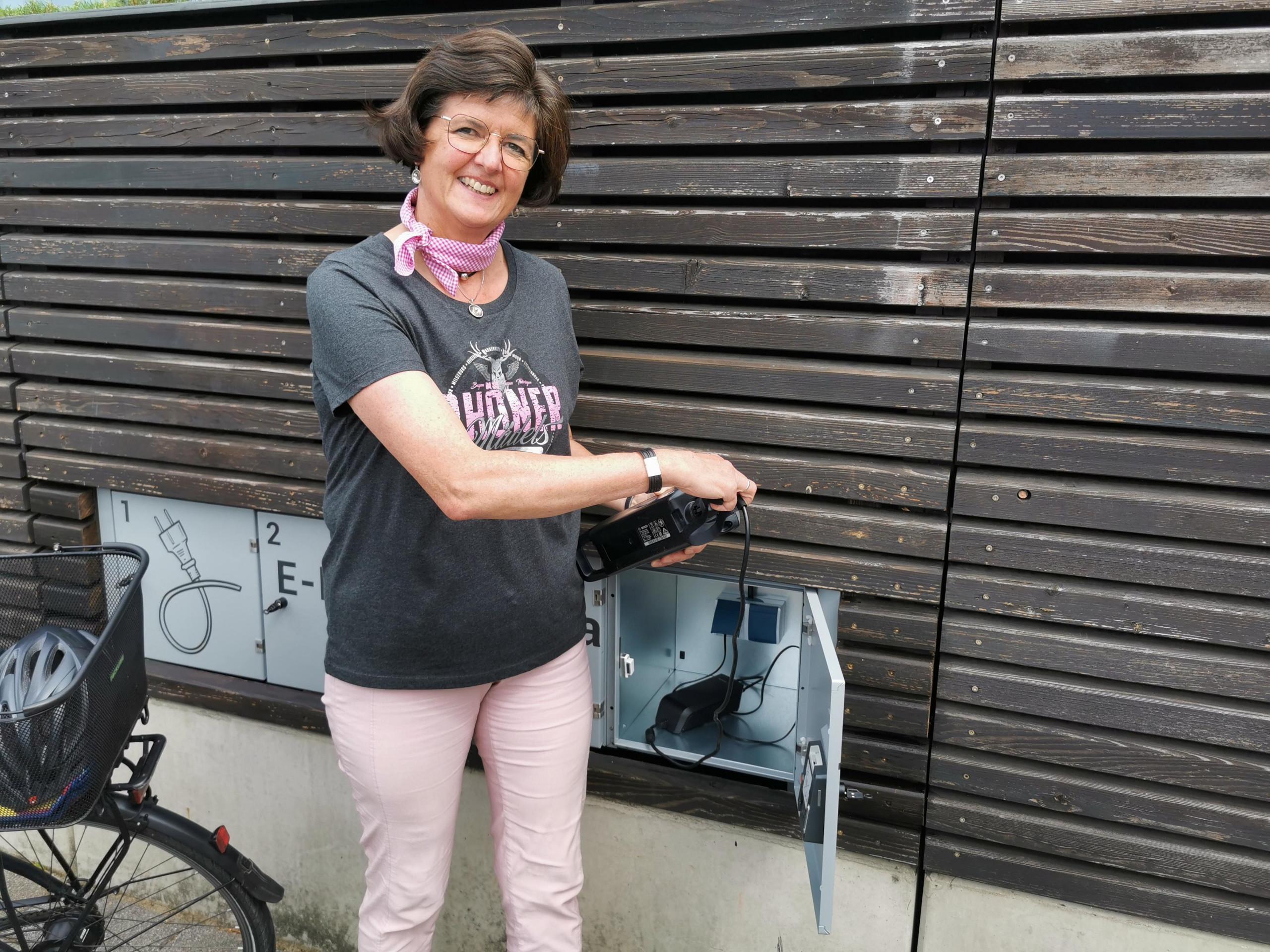 E-Bike Ladestation am Rathausplatz Hilders